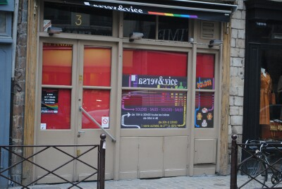 Another attack in a gaybars in France
