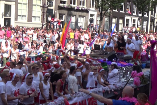 Amsterdam Pride 2020 thema TAKE PRIDE in us