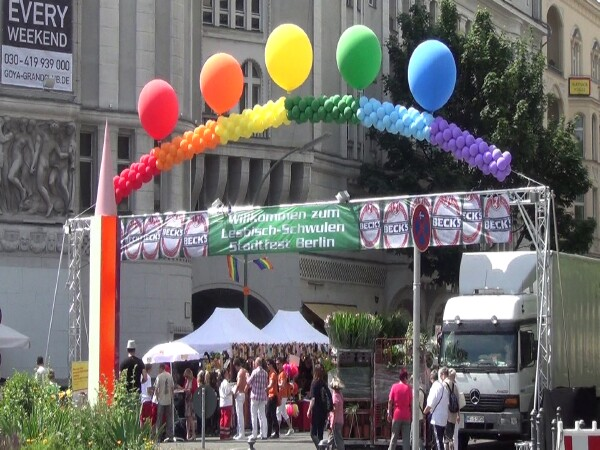 la grande fete de rue europeenne Gay et Lesbien