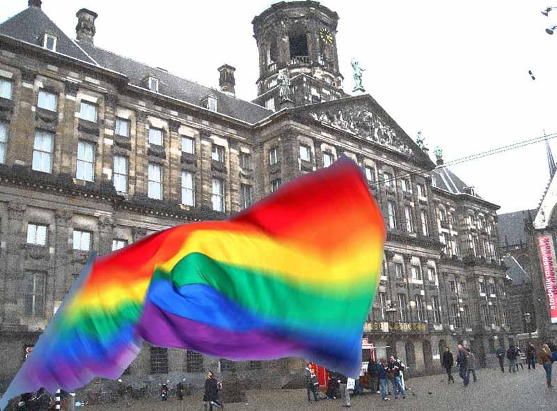 Melanie C treedt op tijdens Pride Amsterdam